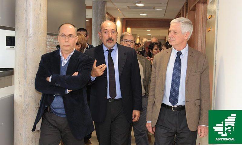 Ministro Basso y Autoridades de La Asistencial en Inauguraciónde tomógrafo